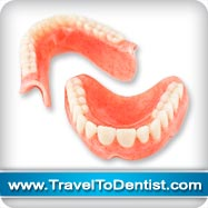 La protesi dentale completa,dantiera superiore e inferiore